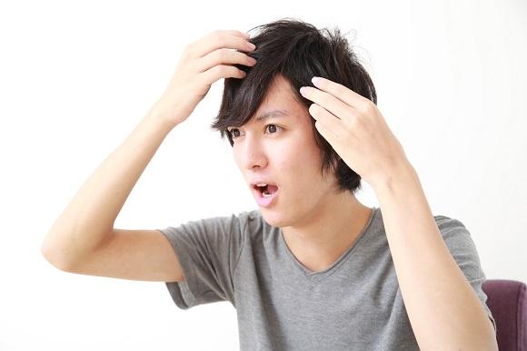 自毛植毛が原因で吹き出物は形成されるの?
